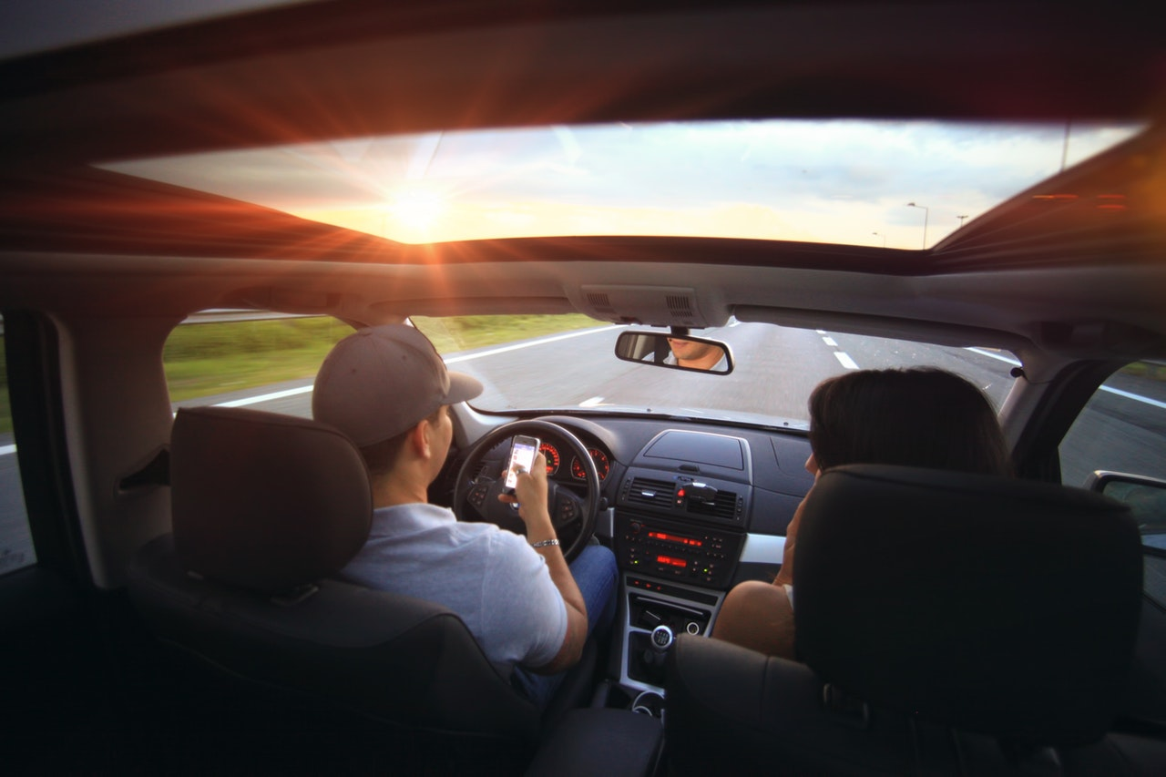 自動車関連の手続きは複雑・行政書士に手続き代行を依頼する方法も